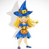 Nettes kleines Mädchen gekleidet als Hexe Trick oder Festlichkeit lizenzfreie abbildung