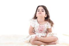 Nettes Kleinkindmädchen Stockfoto