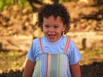 Nettes Lächeln des kleinen Jungen Stockbild