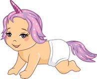 Nettes lächelndes Baby mit Zubehör eines Einhorns Lizenzfreie Stockfotos