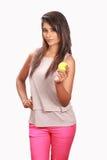 Nettes Mädchen des Srilankan, das Ball hält Lizenzfreies Stockfoto