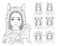 Nettes Mädchen mit afrikanischen Borten in den verschiedenen Tierhüten set Stockbilder
