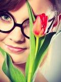 Nettes Mädchen mit Blume Lizenzfreie Stockfotos