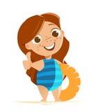 Nettes Mädchen mit dem Badeanzug, der Schwimmring steht und hält Lizenzfreie Stockbilder