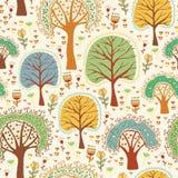 Nettes nahtloses Muster der hellen Natur mit Bäumen Stockfoto