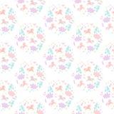 Nettes nahtloses Muster mit Einhörnern, Blumen, Wolken, Sternen, Herzen und Bonbons Lizenzfreie Stockfotografie