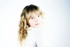 Nettes und schönes blondes Mädchen Stockbilder