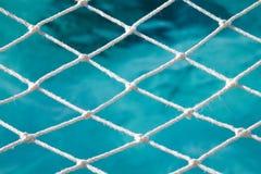 Netto boven de oceaan stock afbeelding