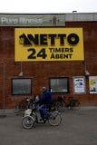 NETTO OPENT 24 UREN Stock Fotografie