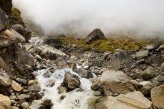 Netto vattenfall för berg, bakgrund Fotografering för Bildbyråer