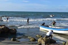 Netto visserij in Cartagena, Colombia Royalty-vrije Stock Fotografie