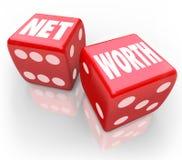 Netto värde två tärning räknar samman finansiell risk för rikedomvärderedovisning Arkivbild