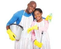 Nettoyage africain de couples Photo libre de droits