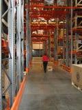 Nettoyage dans un entrepôt Images libres de droits