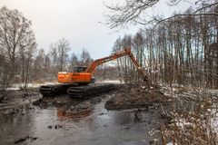 Nettoyage de la rivière de Malashka Photos libres de droits