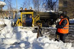 Nettoyage de neige Photos stock