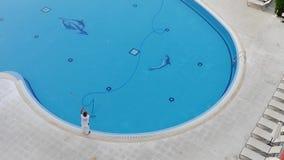 Nettoyage de piscine - 4K clips vidéos