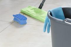 Nettoyage quotidien de maison Photo stock