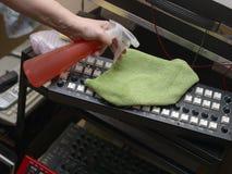 Nettoyer dans le studio d'enregistrement photo libre de droits