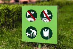 Nettoyez après votre signe d'animal familier Photo stock