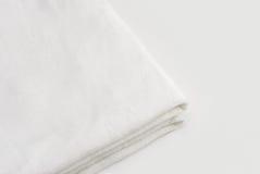 Nettoyez l'essuie-main blanc Photos stock