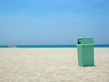 Nettoyez la plage Images stock