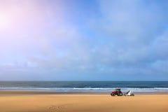 Nettoyez la plage Photos libres de droits