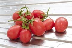 Nettoyez la tomate fraîche Photos libres de droits