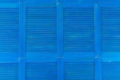 Nettoyez le fond en bois de texture de portes d'oeillères de volets Image libre de droits