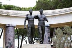 NETTUNO - Kwiecień 06: Brązowa statua dwa brata Fotografia Royalty Free