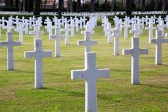 NETTUNO - Kwiecień 06: Grobowowie, Amerykański wojenny cmentarz amerykanin Zdjęcie Stock