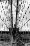 Netz der Suspendierung verkabelt auf Brooklyn-Brücke, Manhattnan New York Lizenzfreie Stockfotos