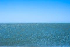 Netze im Meer am sonnigen Tag stockfotografie