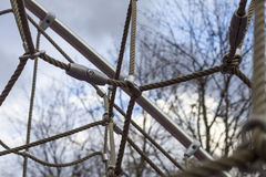 Netznahaufnahme von Seilen und von Knoten Lizenzfreies Stockbild