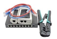 Netzschalter, Ethernet-Kabel, Bördelmaschine und RJ45 verkabeln Prüfvorrichtung Lizenzfreies Stockfoto