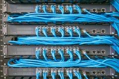 Netzschalter und Ethernet-Kabel Stockbilder
