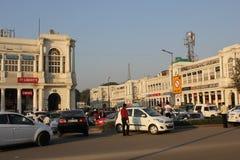Neu-Delhi Stadtzentrumalltagsleben mit seinem Verkehr Stockbild