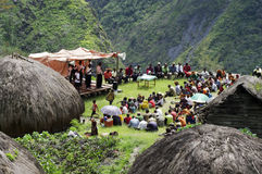 Christ, der im Papuandorf predigt Lizenzfreie Stockbilder