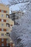 Neubau im Winter lizenzfreies stockbild