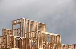 Neubau-offenes Feld-Gebäudehintergrund stockfoto