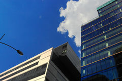 Neubauten im im Stadtzentrum gelegenen Bezirk Stockfotografie