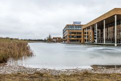 Neubiberg, Allemagne - 16 février 2018 : Infineon commande leurs affaires de leur bâtiment de siège social près de Photo stock