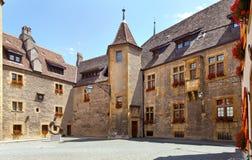 Neuchatel slott i Schweiz royaltyfri foto