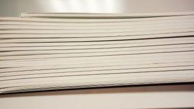Neue Bücher auf Regalnahaufnahme Lizenzfreies Stockfoto