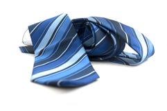 Neue blaue gestreifte Krawatte Lizenzfreies Stockbild