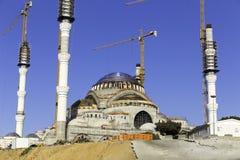 Neue Camlica-Moscheennahaufnahme, gelegen auf Camlica-Hügel in der Türkei Stockfotos
