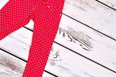 Neue dünne farbige Hose der Mädchen Stockbild