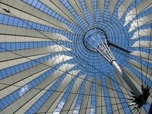 Neue Dacharchitektur in Berlin lizenzfreie stockfotos