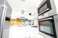 Neue Erneuerungen und Design der Küche stockfotos