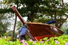 neue Farbe auf Fischerboot Stockbild